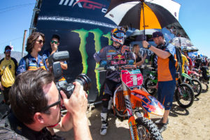 153071_jeffrey_herlings_mechanic_ktm_250_sx-f_start_glen_helen_2016
